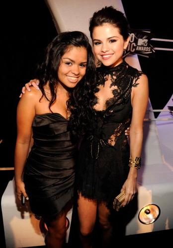 Selena Gomez ~ August 28th- 2011 音乐电视 Video 音乐 Awards