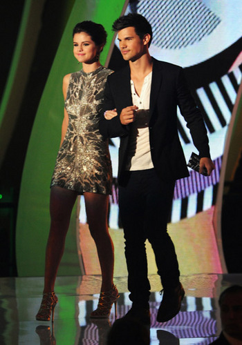 Selena Gomez ~ August 28th- 2011 MTV Video muziki Awards