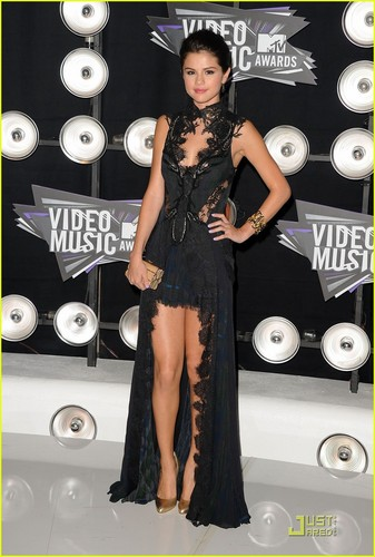 Selena Gomez #VMA2011