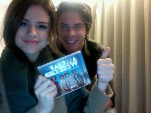 Selena's Twetter Pics...