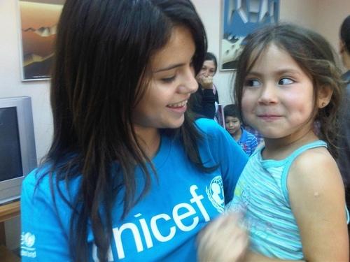 Selena's Twitter Pics