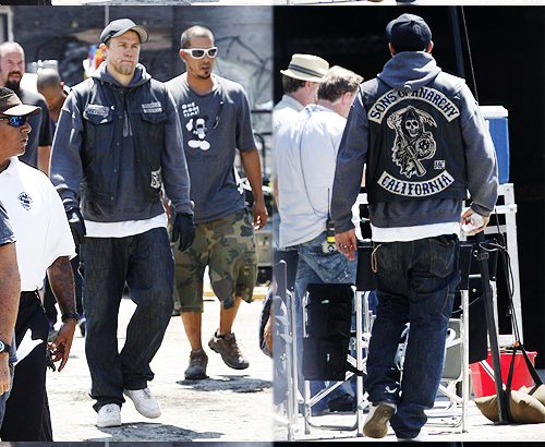 Sons Of Anarchy wallpaper entitled Charlie on Set