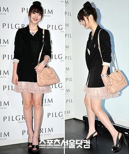 Sulli and Krystal in Pilgrim Fashion week