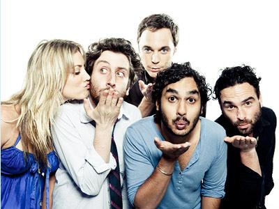 Z leva- Penny, Howard, Sheldon, Raj a Leonard