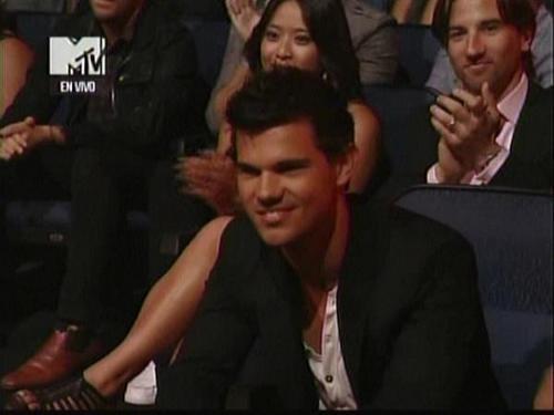 Tay at the VMA'S