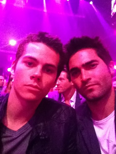Tyler Hoechlin fond d'écran probably with a concert entitled Tyler Hoechlin♥