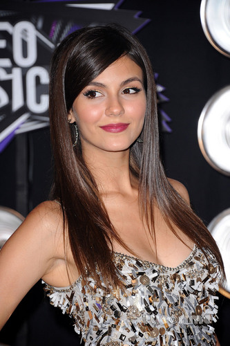 Victoria Justice: 2011 MTV Video Music Awards