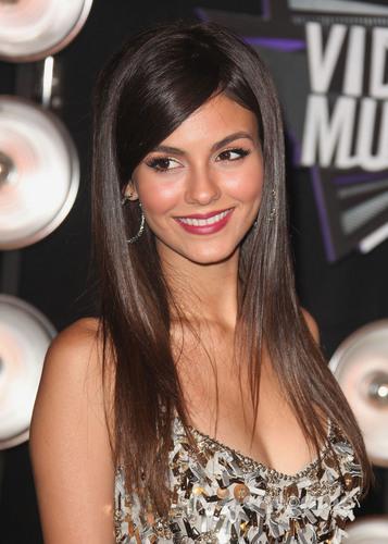 Victoria Justice: 2011 MTV Video Musik Awards