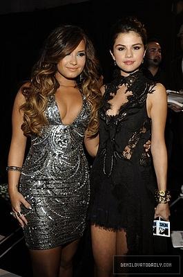delena VMA2011