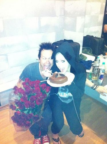 """""""Great mostra tonight in russia. Eating cake with the band celabratng rodneys birthday. Yum!!"""""""
