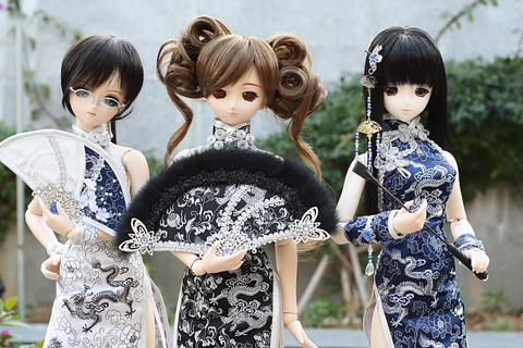 Anime anak patung