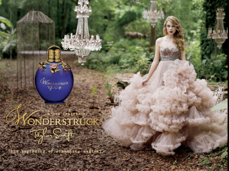 """Another pic of Taylor for """"Wonderstruck perfume"""""""