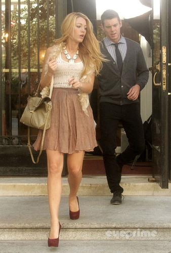 Blake Lively on the Set of Gossip Girl in New York, September 1
