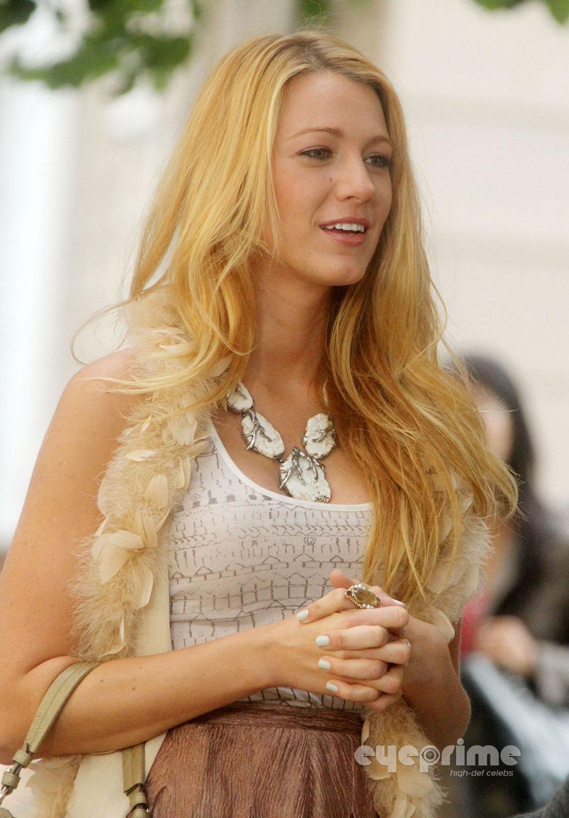 Blake Lively on the Set of Gossip Girl in New York, September 1