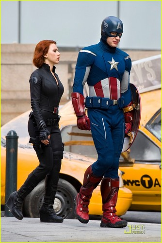 Chris Evans: 'Avengers' Takes Over Park Avenue!