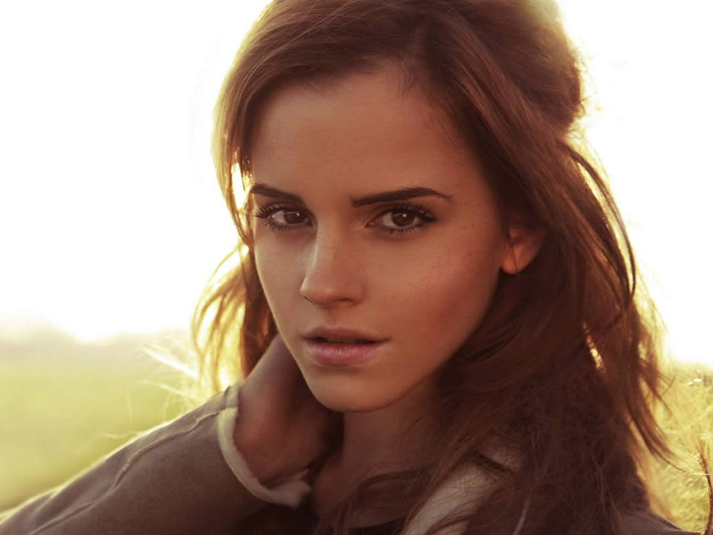 Near-Nude Emma Watson Emma