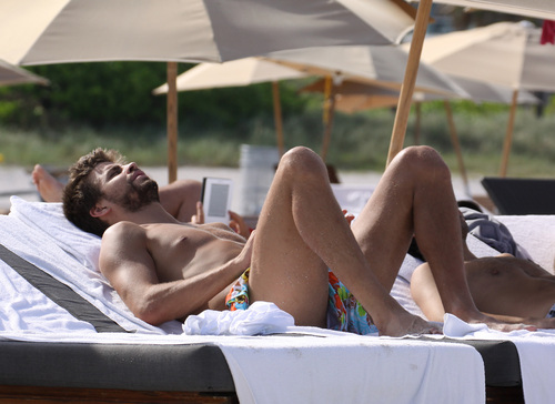 Gerard Piqué hot body big picture !