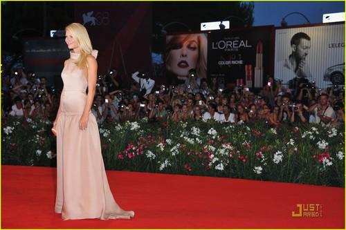 Gwyneth Paltrow Premieres 'Contagion' in Venice