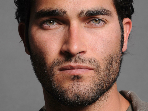 Tyler Hoechlin achtergrond possibly containing a portrait called Hoechlin