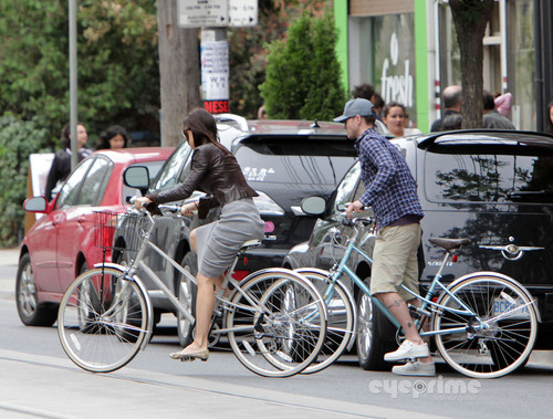 Jessica Biel and Justin Timberlake out for a Bike Ride in Toronto, Aug 28