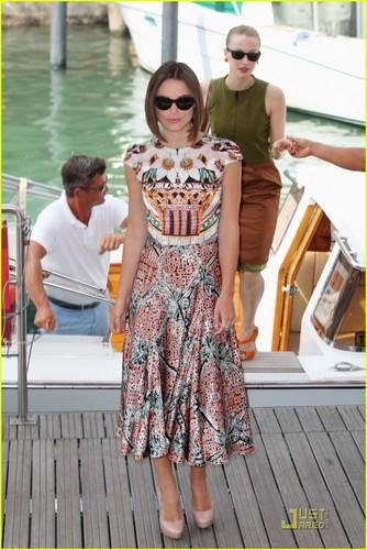 Keira Knightley: 'Dangerous Method' Foto Call in Venice!