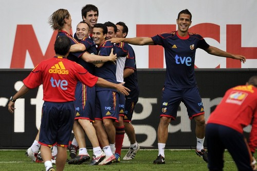 Nando - Spain NT Training - fernando-torres Photo