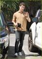 Nick Jonas: Family Fun Day (09.02.2011) !!!
