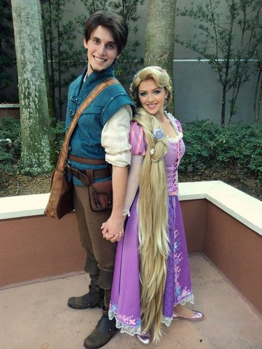 Rapunzel and Flynn Cosplay