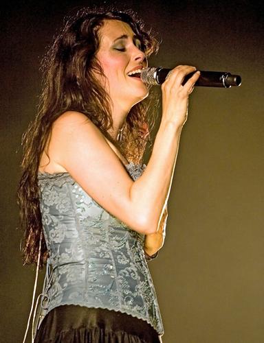 Sharon デン Adel
