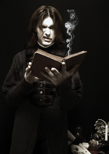 Snape reads Fanfic
