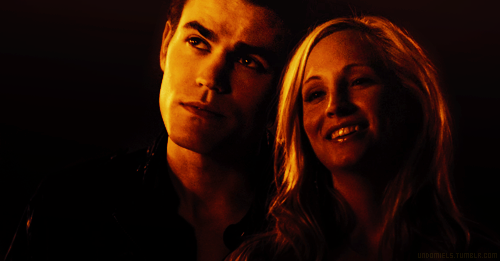 The Vampire Diaries Couples वॉलपेपर possibly with a portrait titled Steroline