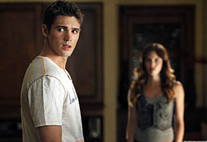 The Vampire Diaries 3 first look Vicki & Jeremy