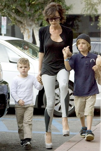 Victoria and her sons Romeo and Cruz