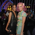 Zoe and Katy Perry at the VMA - zoe-saldana photo