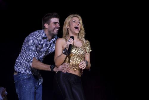 Shakira piqué teeth