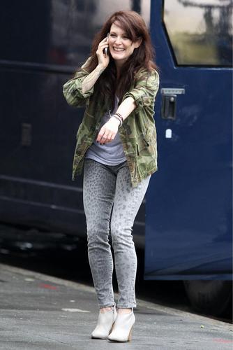 'What Maisie Knew' On Set [September 7, 2011]