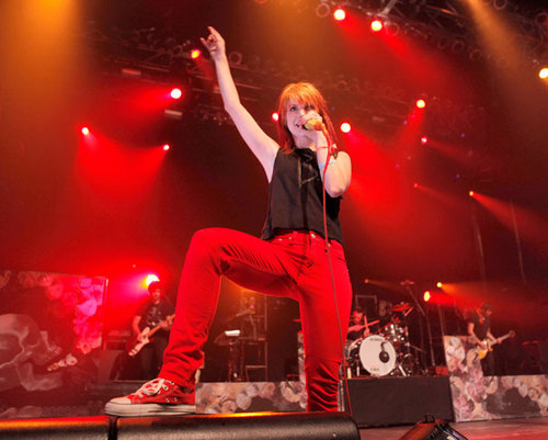 07.09.11 - Fueled 由 Ramen's 15th Anniversary 音乐会
