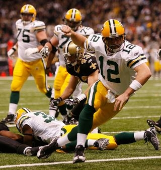 Green 만, 베이 Packers 바탕화면 probably with a lineman, a tailback, and a 삿대를 젓는 사람, 손님이 titled Aaron Rodgers in action