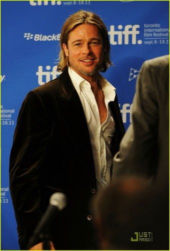 Brad Pitt: 'Moneyball' Press Conference in Toronto!