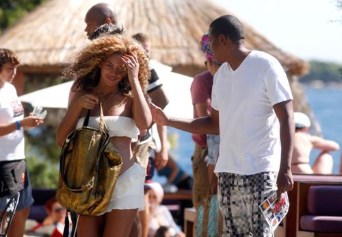 Candids: Beyoncé Shows Off Baby Bump in Croatia (September 6th)