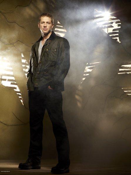Cast - Promotional Photo - Josh Dallas as Prince Charming ...