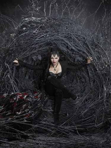 Cast - Promotional Photo - Lana Parilla as Evil Queen/Regina - once-upon-a-time Photo
