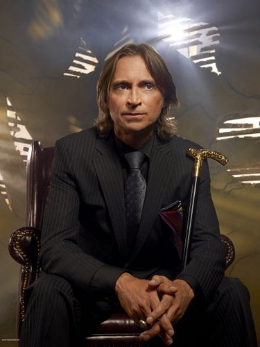 Cast - Promotional foto - Robert Carlyle as Rumpelstiltskin/Mr oro