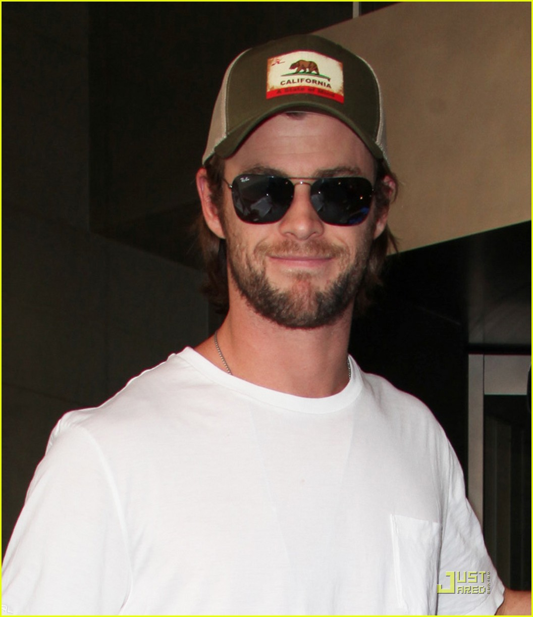 Chris Hemsworth: First Day on 'Avengers' was 'Pretty Crazy' - chris-hemsworth photo
