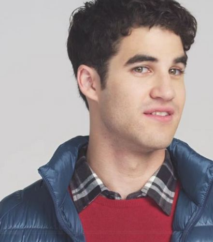 Darren Criss karatasi la kupamba ukuta probably with a portrait entitled Darren Criss Uniqlo