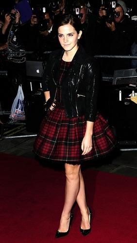 Emma - GQ Men Of The tahun Awards - September 6, 2011