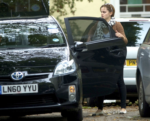 Emma Watson leaves her 집 in London, Sep 7