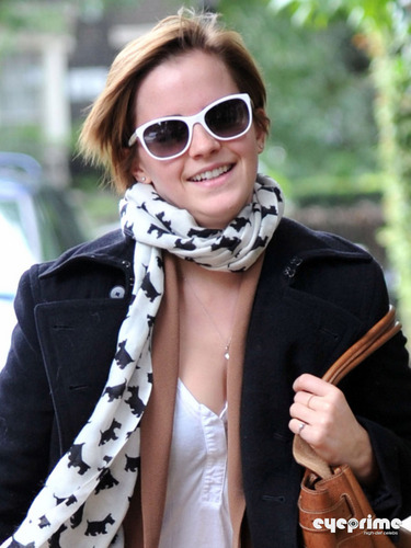 Emma Watson spotted out in London, Sep 7