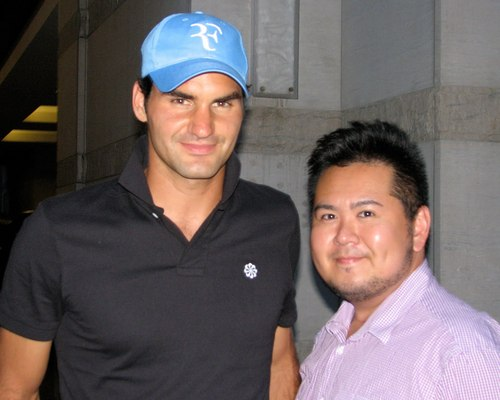 FEDERER WITH پرستار