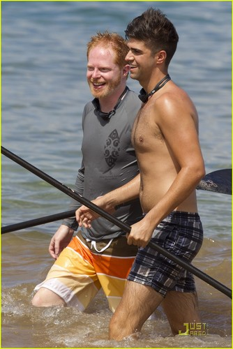 Jesse Tyler Ferguson &amp; Justin Mikita: Venice Beach Lovebirds! - hottest-actors Photo